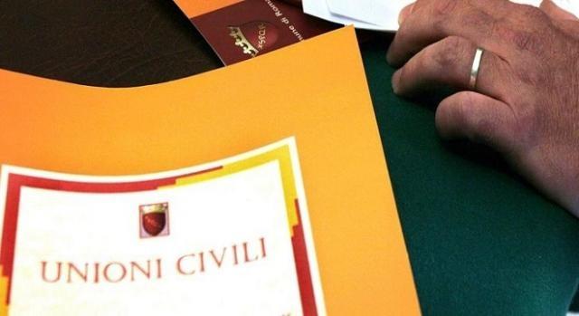 Unioni civili e cognome comune: nessuna modifica ala scheda anagrafica
