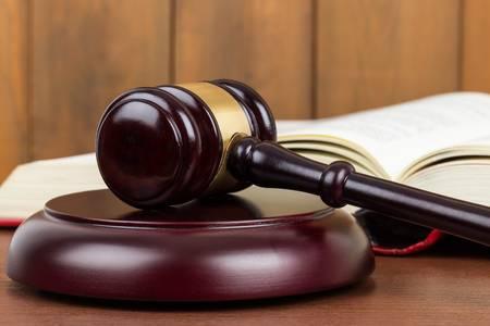 Divieto di opposizione al giudice dell'esecuzione per crediti erariali