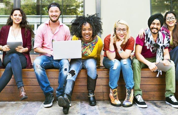 Studenti stranieri ISEEU parificato e contributi universitari