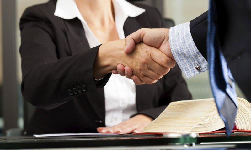 Il patto di quota lite fra avvocato e cliente è legittimo